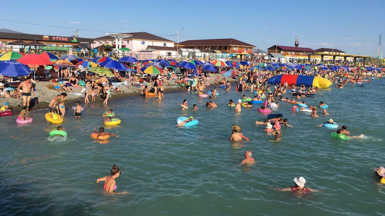 Есть ли риск заразиться коронавирусом при купании в открытых водоемах в жаркую погоду?