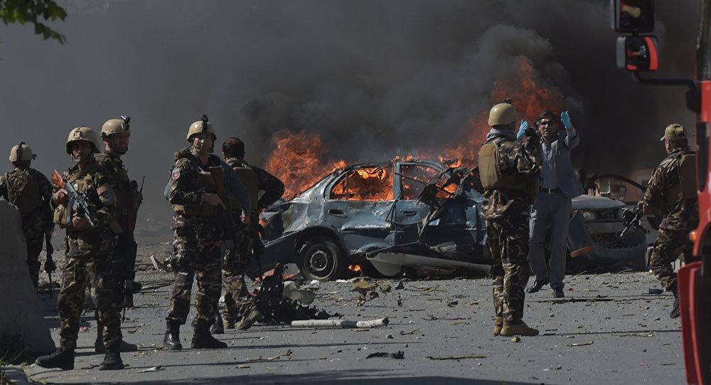 В результате взрывов в Кабуле погибли корреспондент и оператор Tolo News