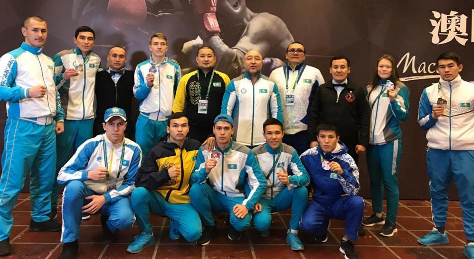 Семь медалей привезли казахстанские бойцы муай-тай с ЧА в Макао