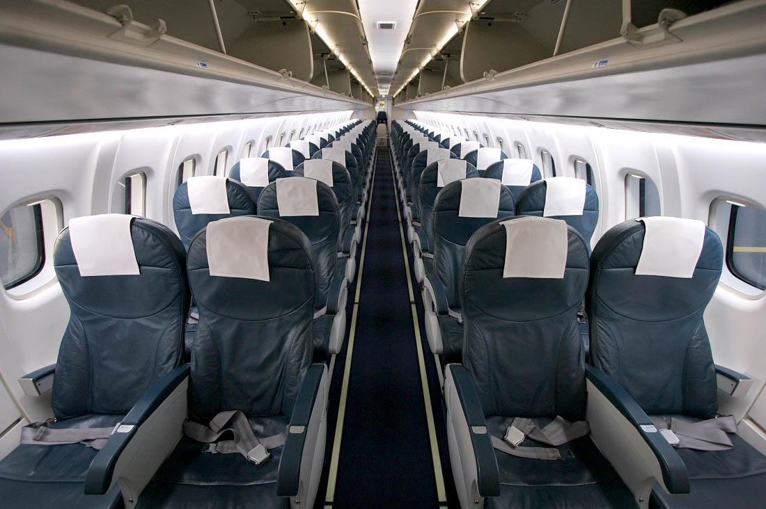 В Казахстане отменяют требование о пустых креслах между авиапассажирами – СМИ