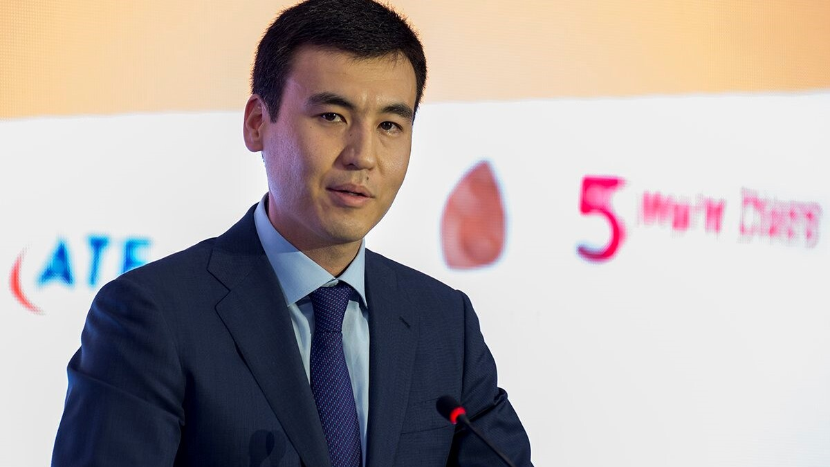 Сколько акций Jýsan банка может получить Галимжан Есенов после сделки?