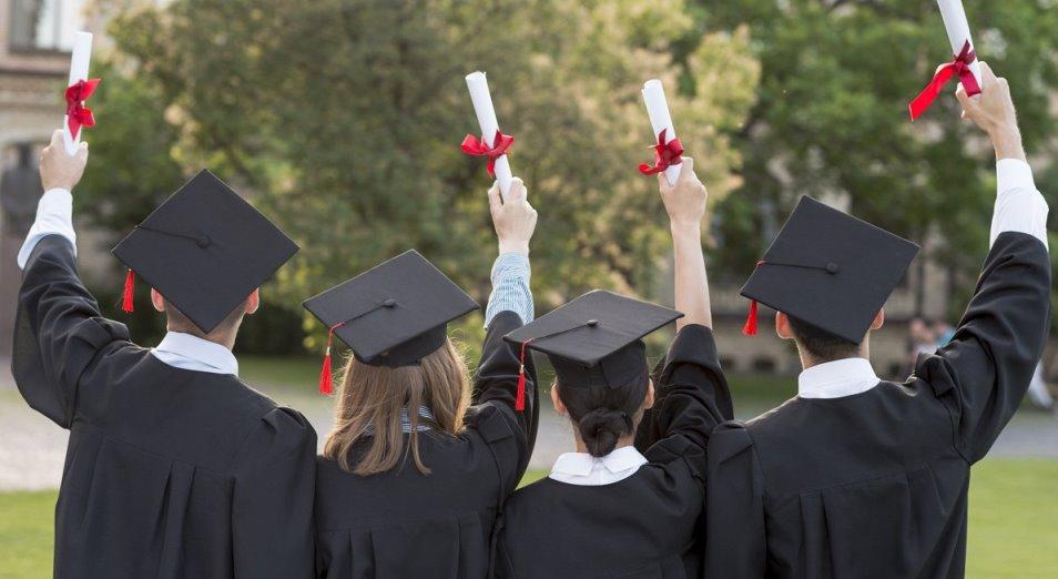 Особенности оплаты труда в Казахстане: как заработок зависит от образования