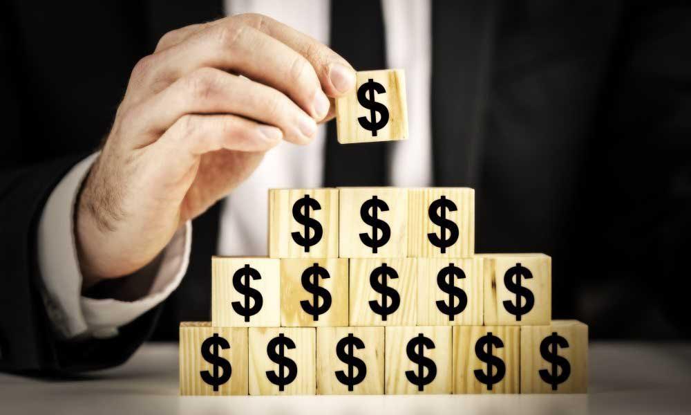 Будьте осторожны: финансовая пирамида!  Как распознать мошенников и не пострадать от их действий?