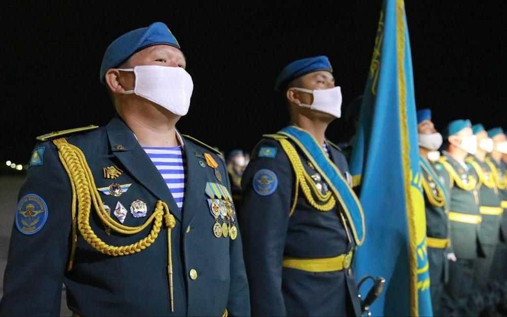 Участники военного парада в Москве вернулись в Казахстан