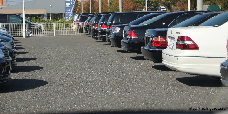 Столичные автостоянки и обменники будут платить налоги по фиксированной ставке