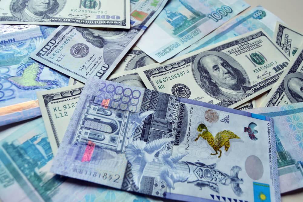 Третий фактор для тенге, Тенге, курс тенге , валюта, доллар , Рубль , Евро, цены на нефть, Санкции, Нацбанк РК, ВВП, Депозиты
