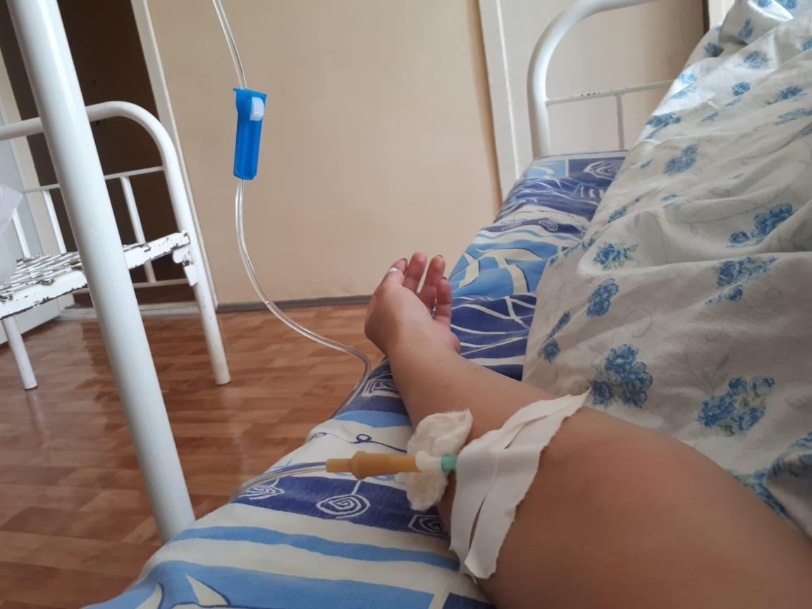 Третий полицейский, пострадавший при наезде пьяного водителя на блокпосту в Алматы, в тяжелом состоянии