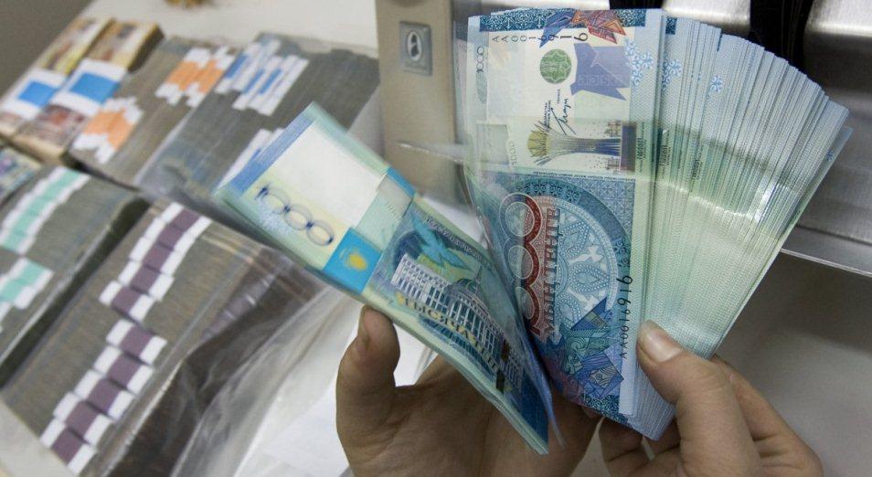 Керри-трейдеры поверили в тенге, Тенге, курс тенге , курс валют, доллар , Рубль , ГЦБ, ноты Нацбанка, Нацбанк РК, нефть