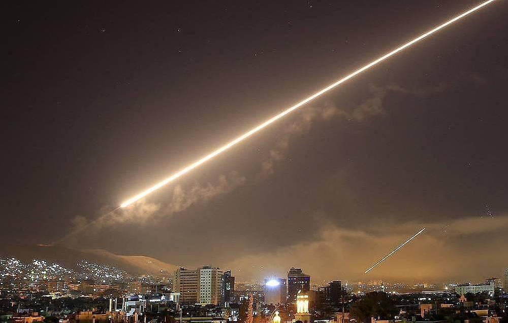 Аравийская коалиция подтвердила перехват двух ракет, запущенных хуситами