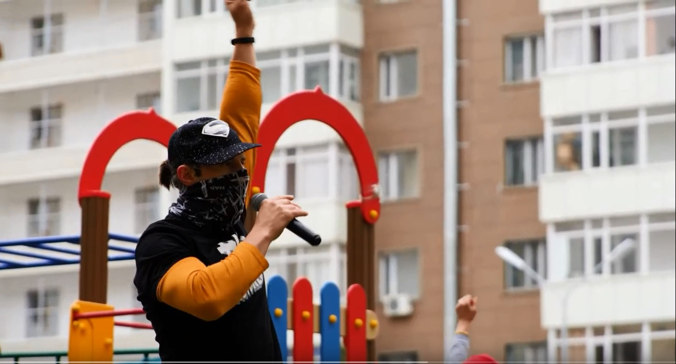 Известные спортсмены провели зарядку с жителями Нур-Султана