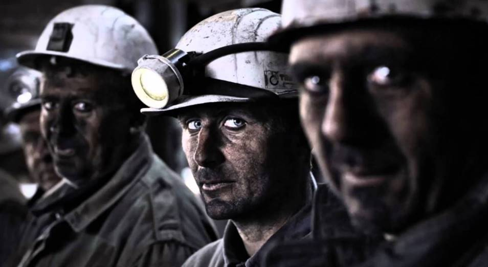 Почему в РК экс-таможенники уходят на пенсию в 48 лет, а шахтеры в 63 года