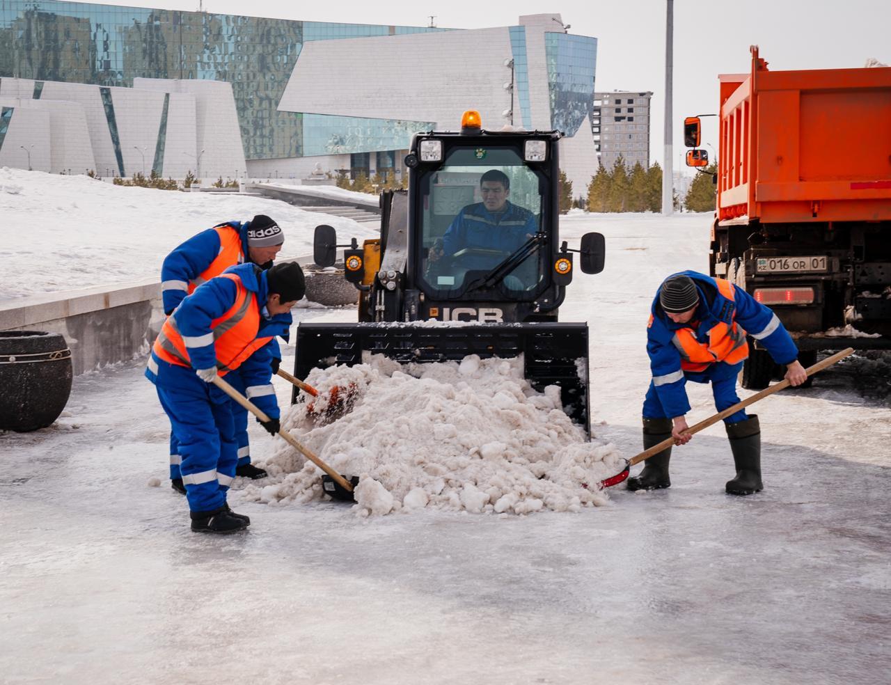 Алтай Кульгинов поблагодарил коммунальщиков столицы за работу