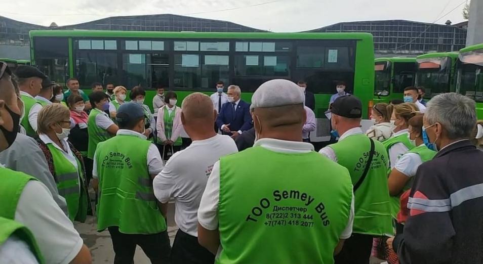ТОО Semey Bus оштрафовали и обязали выплатить долги работникам до 31 августа