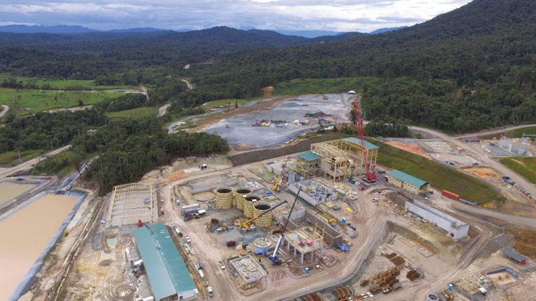 Китайская компания приостановила работы на медном руднике в Эквадоре из-за протестов