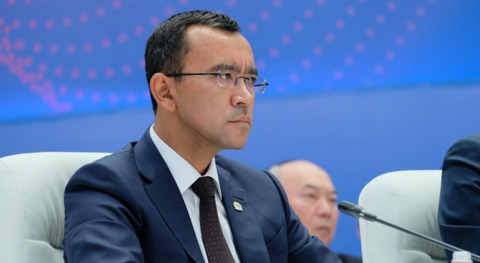 Почему Маулен Ашимбаев?