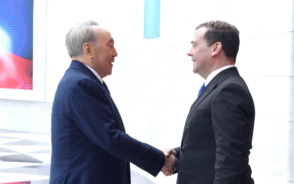 Нурсултан Назарбаев встретился с зампредом Совбеза РФ Дмитрием Медведевым