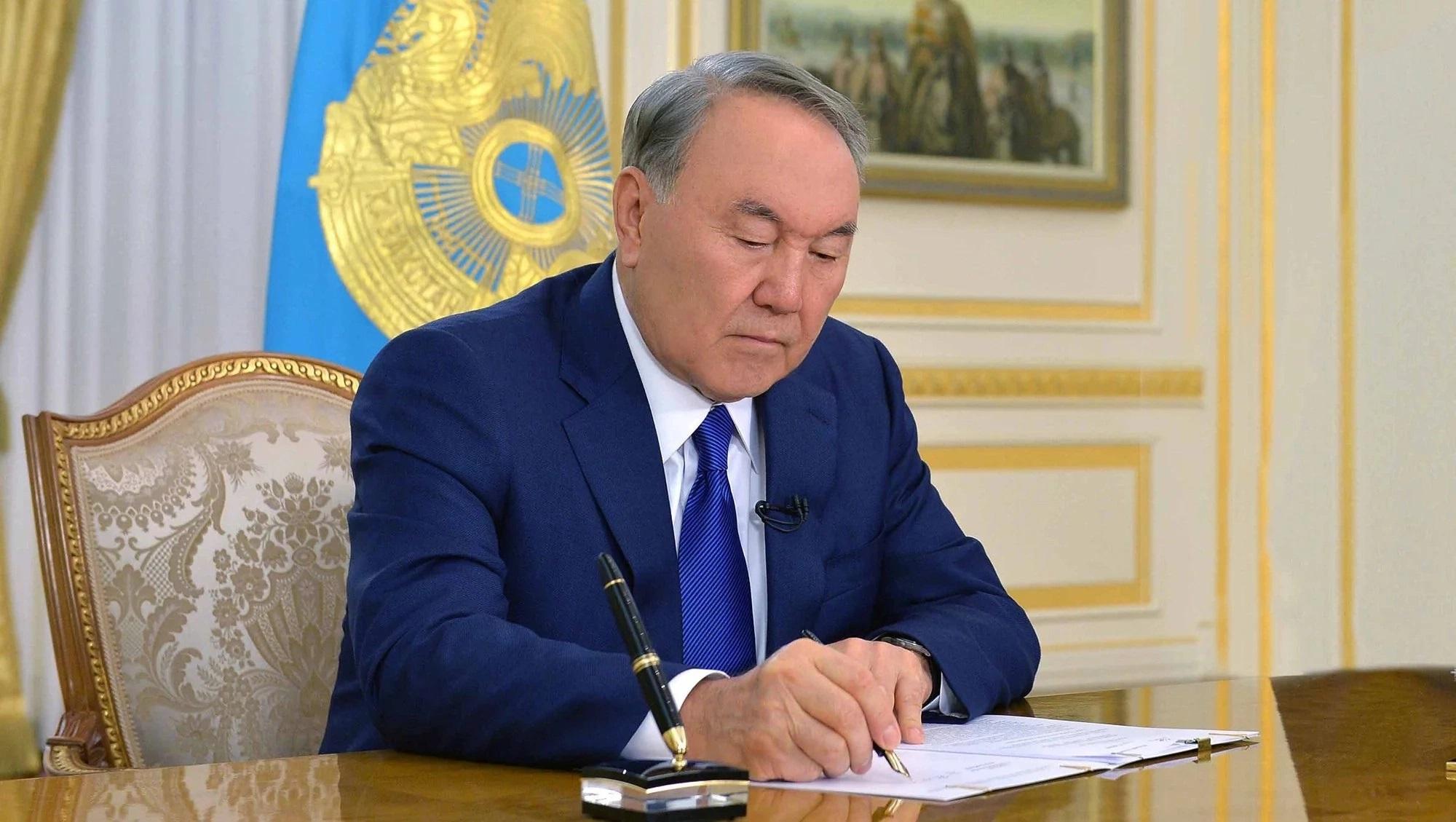 Президент РК подписал поправки в бюджет на 2018-2020 годы