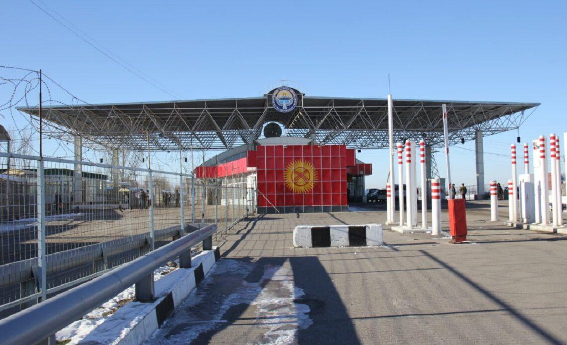Главы правительств Казахстана и Кыргызстана обсудили по телефону работу КПП на границе