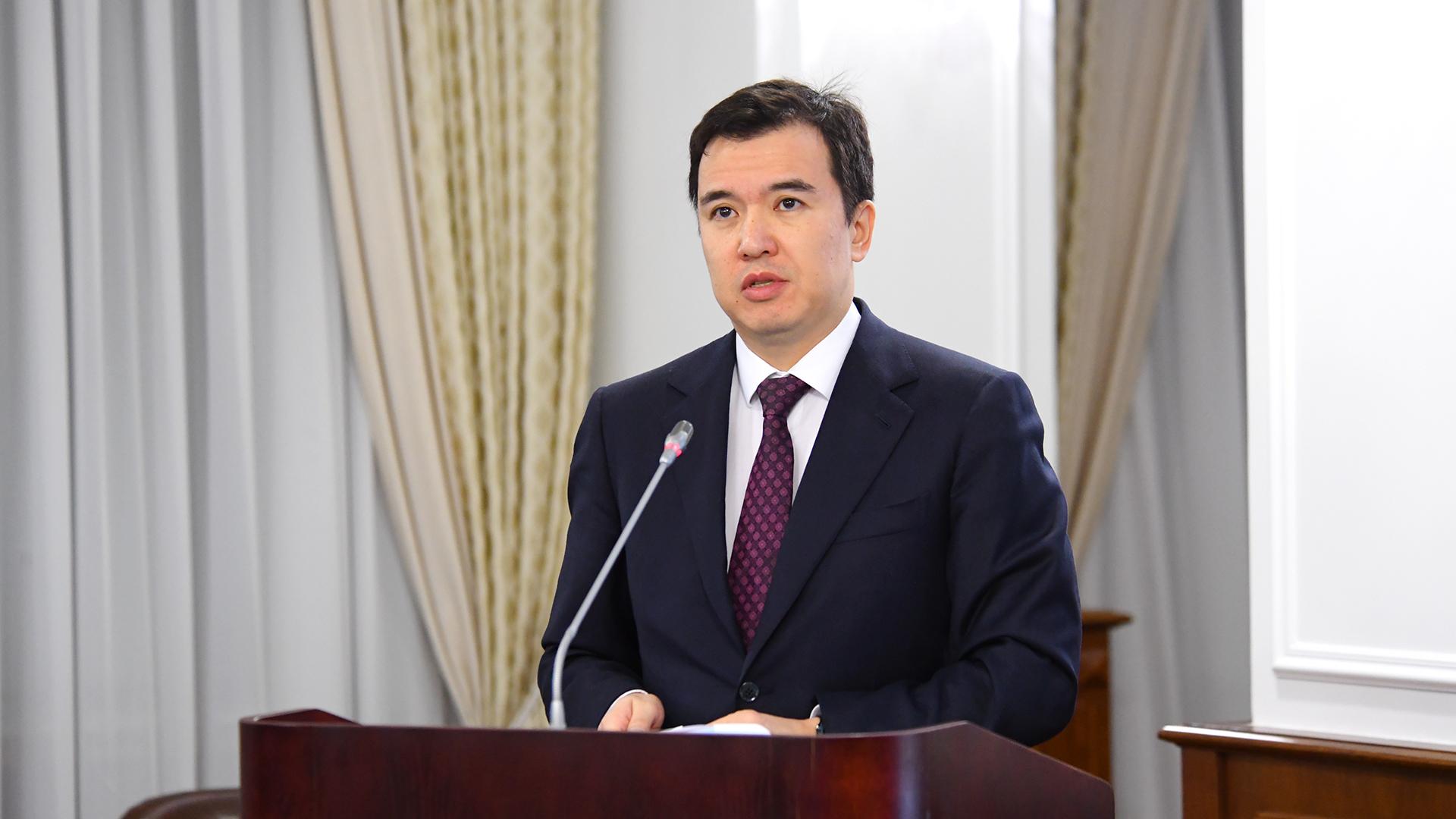 Даленов прокомментировал возможность перевода пенсионных денег в иностранную валюту