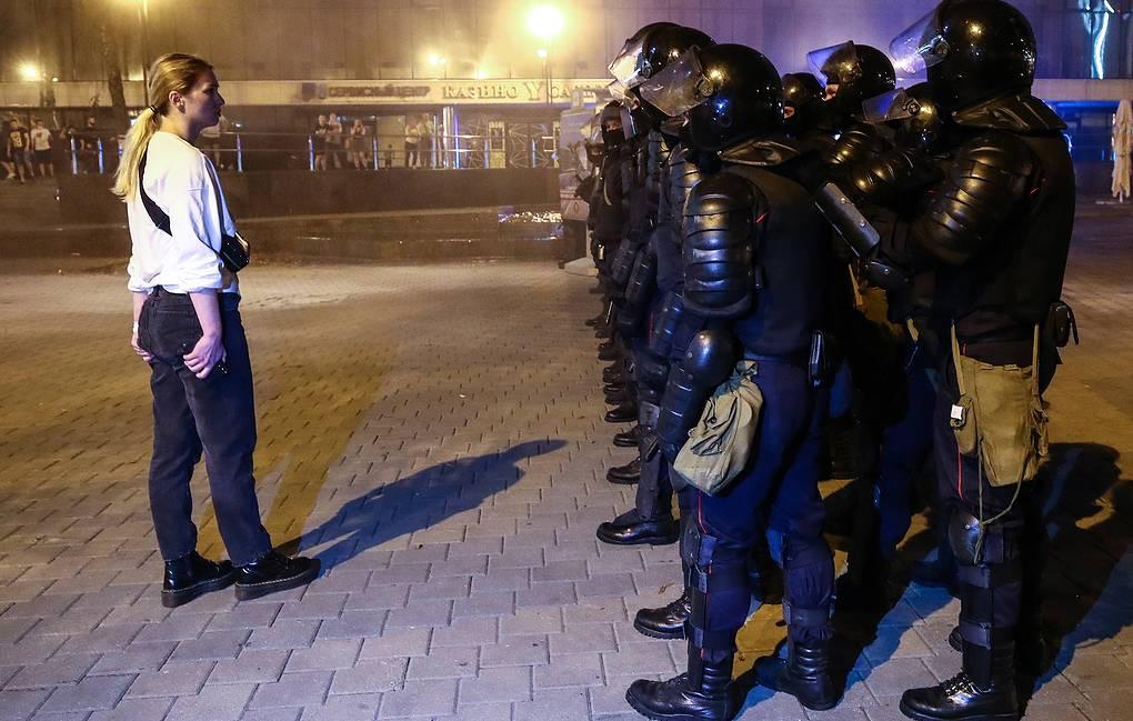В Минске в воскресенье вечером начались несанкционированные акции протеста