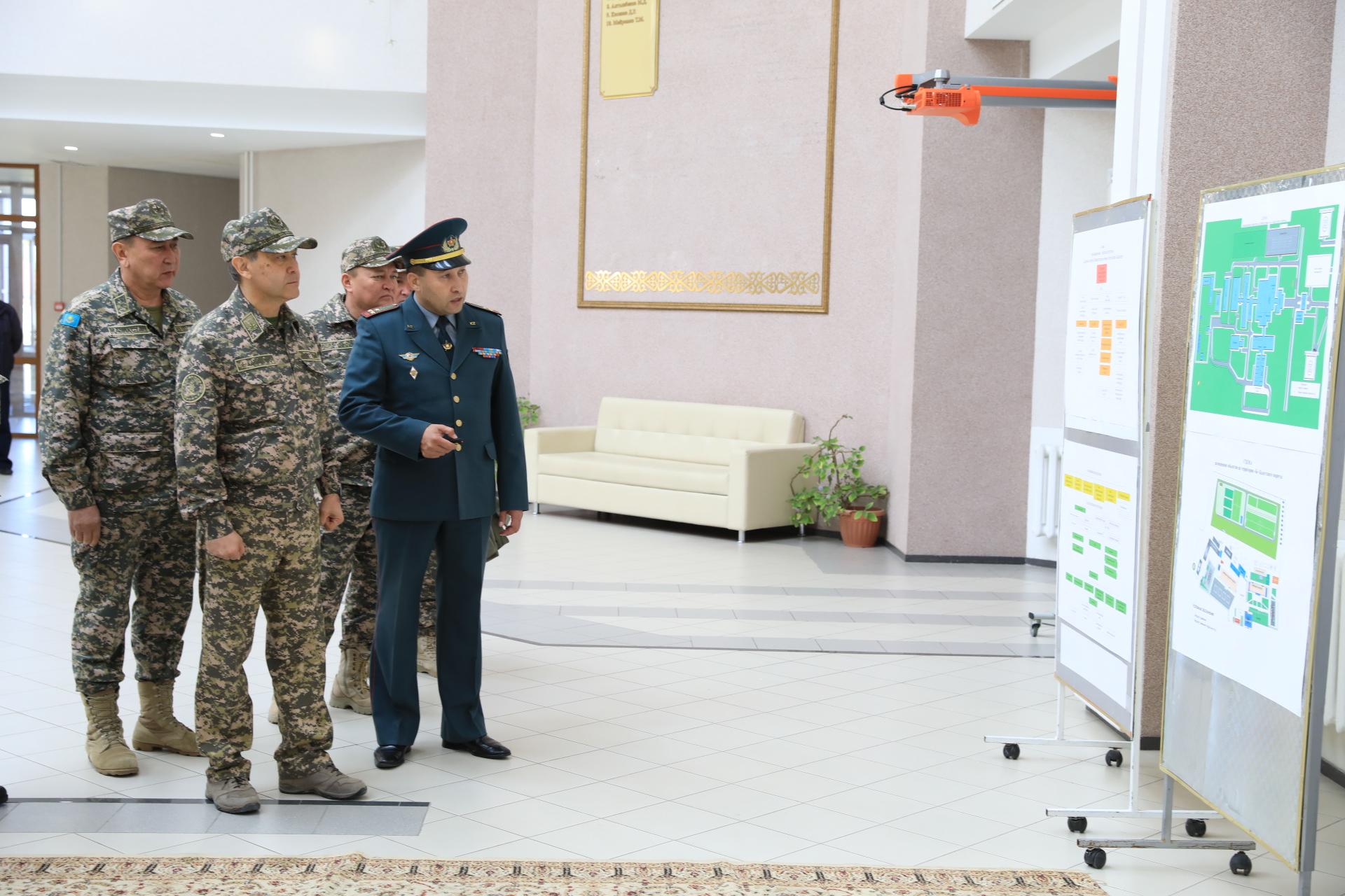 Министр обороны посетил Кадетский корпус