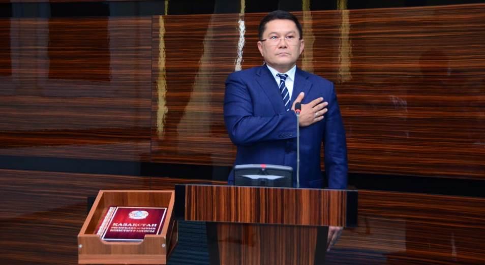 Аким Шымкента цитирует Шакарима и посещает отдаленные районы