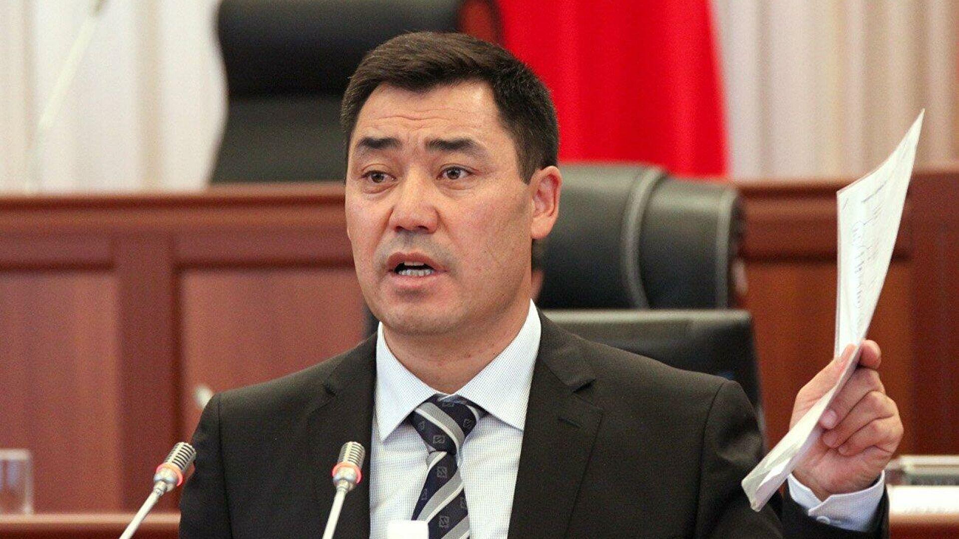 Новый премьер Кыргызстана заявил, что автомобиль экс-президента Атамбаева обстреляли его же охранники