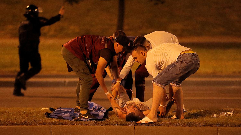 Очевидцы сообщают о нескольких пострадавших в результате столкновений в центре Минска