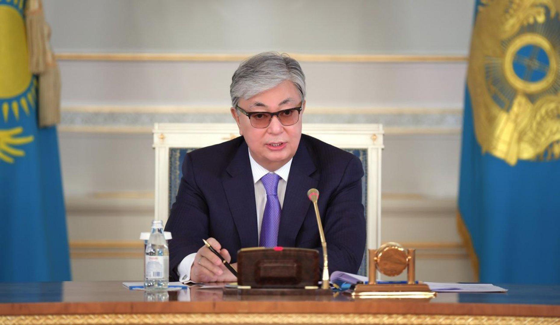 Токаев поручил правительству Казахстана выделить средства из резерва для обеспечения режима ЧП
