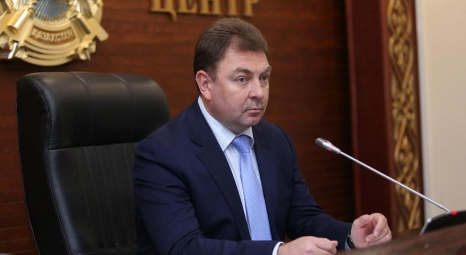 Премьер предложил вынести выговор замглаве МВД