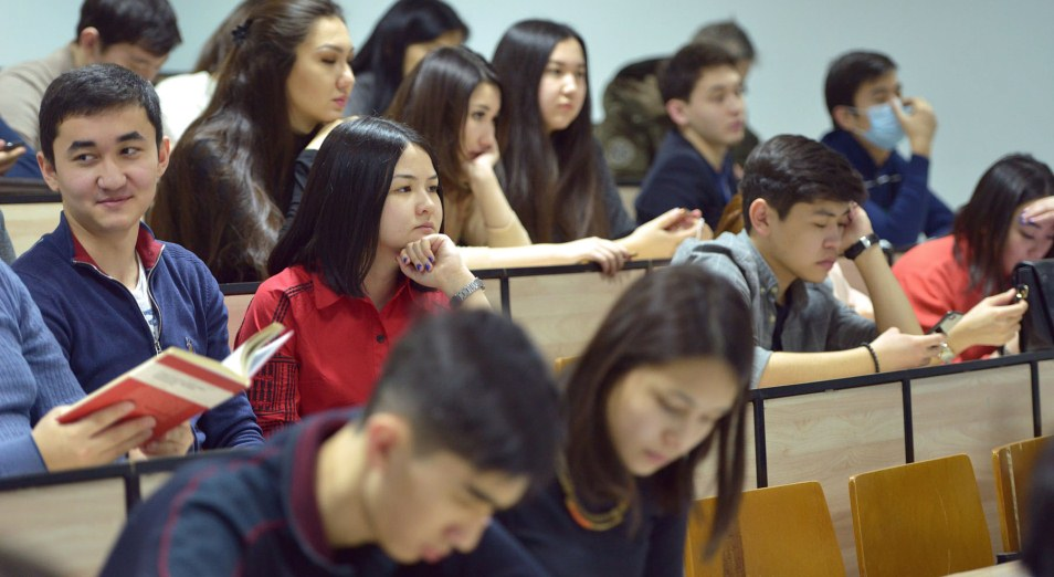 Больше 30 тысяч студентов из-за рубежа планируется привлечь в Казахстан