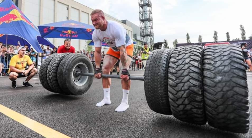 Казахстанец вошел в тройку сильнейших на Ultimate Strongman