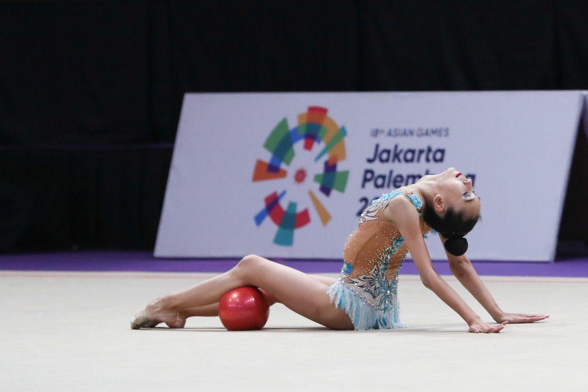 Адиля Тлекенова стала девятой в финале Гран-при по художественной гимнастике