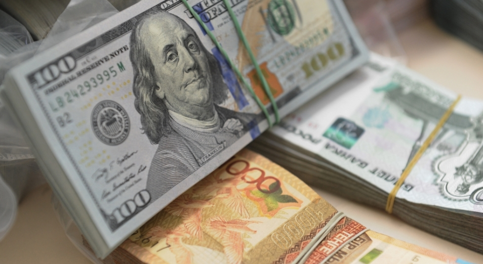 Кто угадал курс в апреле, курс тенге, курс валют, тенге , доллар , Рубль , Россия, экономика, Нацбанк РК, обменные пункты