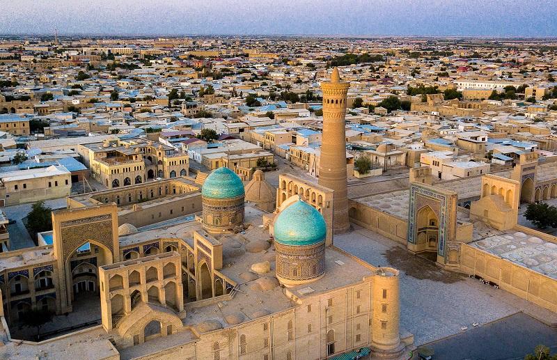Узбекистан с 1 октября открывает границы