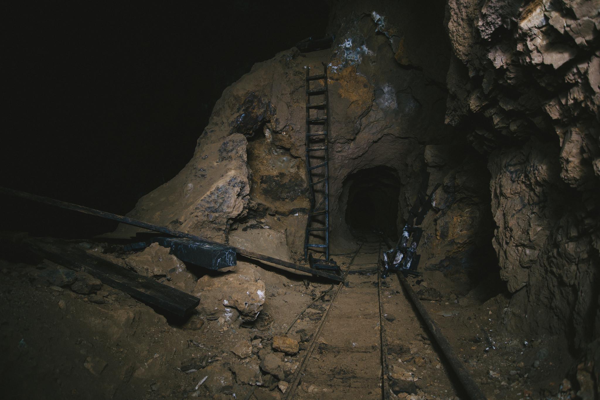 Трое мужчин погибли в заброшенной шахте в Текели