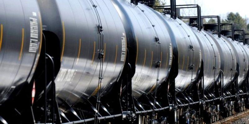 В Казахстане вводится запрет на импорт светлых нефтепродуктов