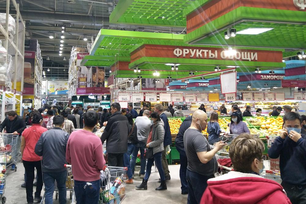 Объектам торговли закрытых на карантин городов Казахстана разрешили работать по своему графику