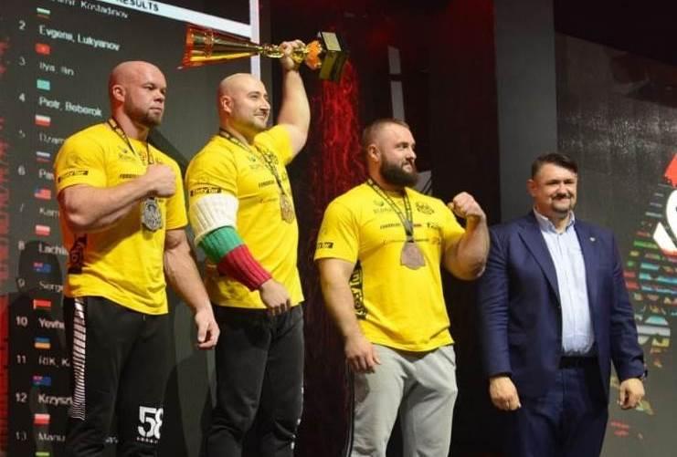 Илья Ильин завоевал бронзу Кубка мира по армрестлингу в Польше