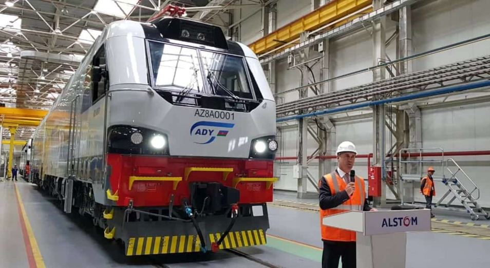 Астана начинает отправку локомотивов в Баку