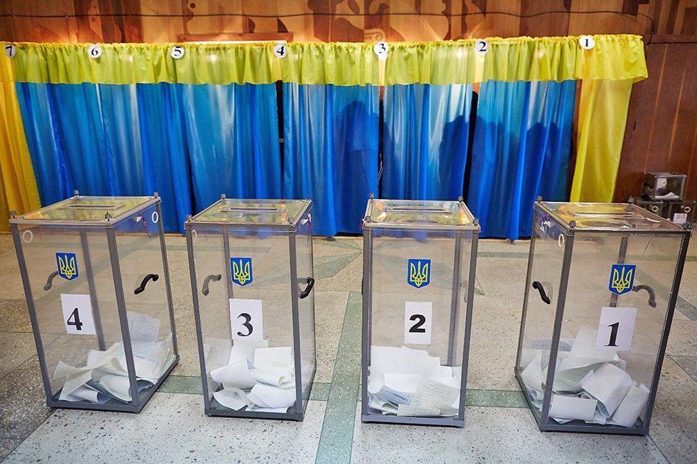 Во второй тур президентских выборов в Украине прошли Зеленский и Порошенко