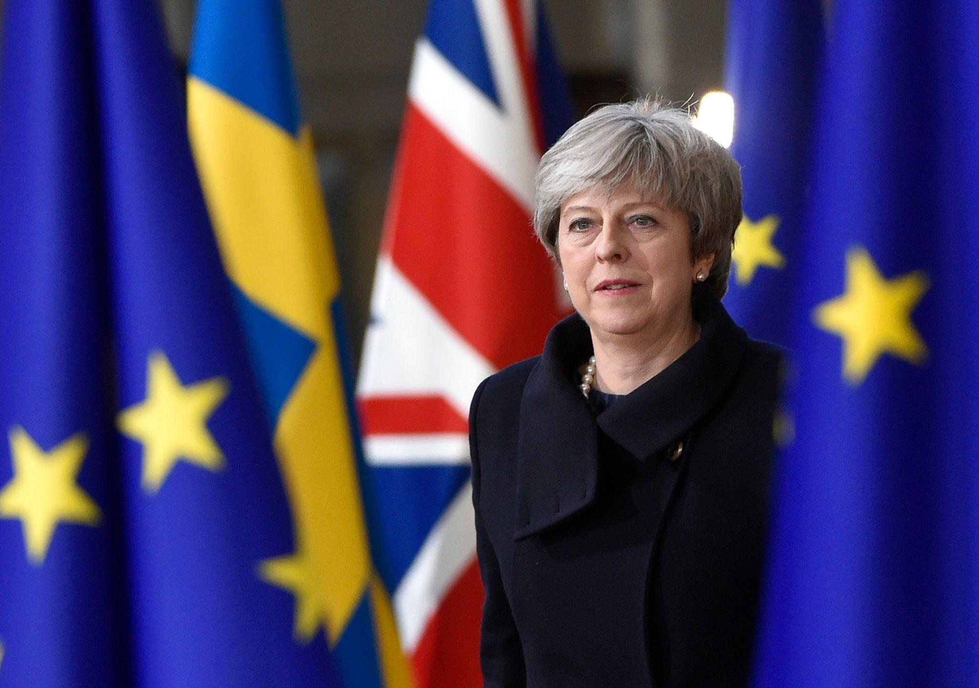 Министры Великобритании потребуют отставки Терезы Мэй