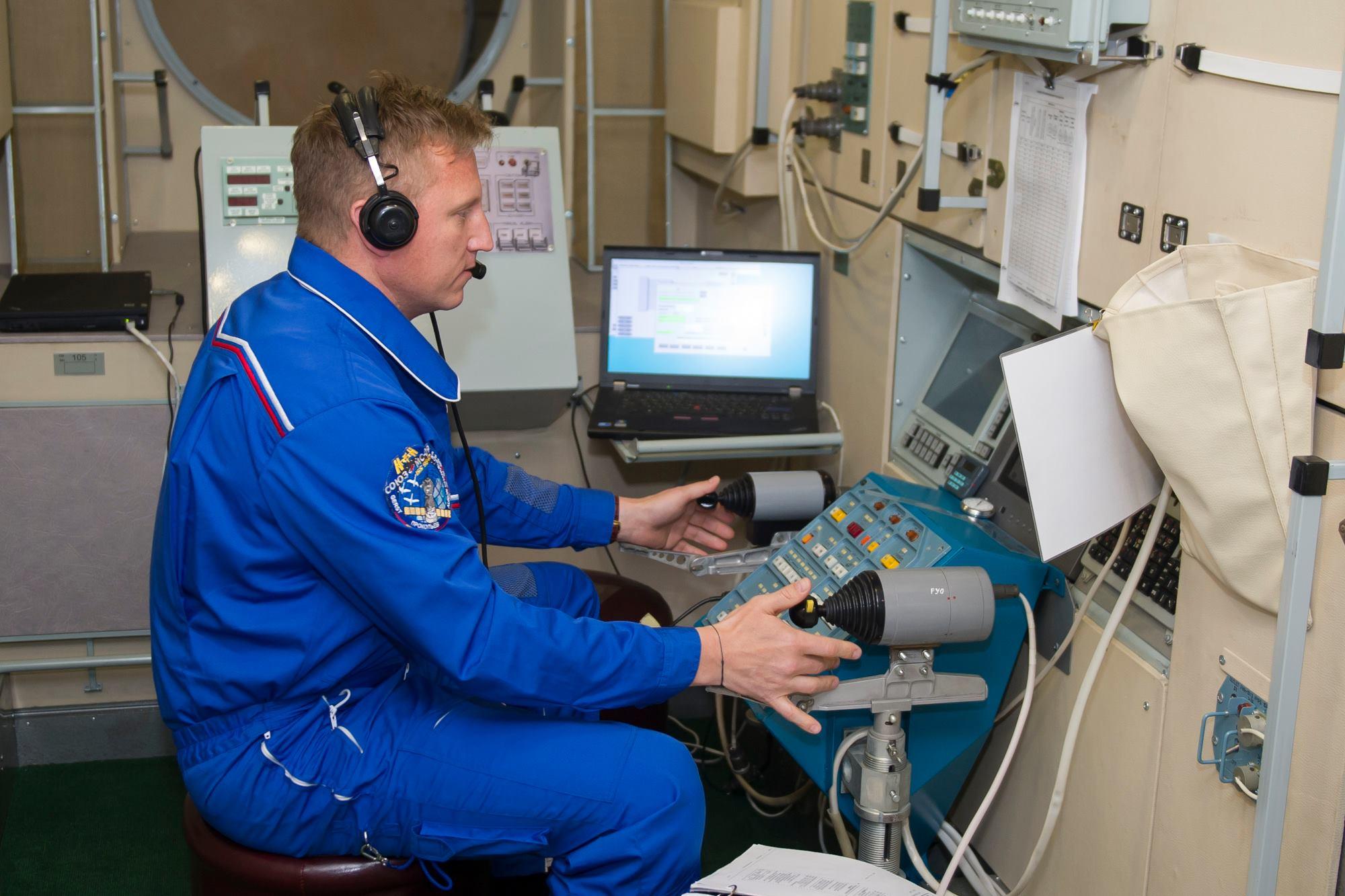 """Какие эксперименты на МКС будет проводить экипаж корабля """"Союз МС-11"""""""