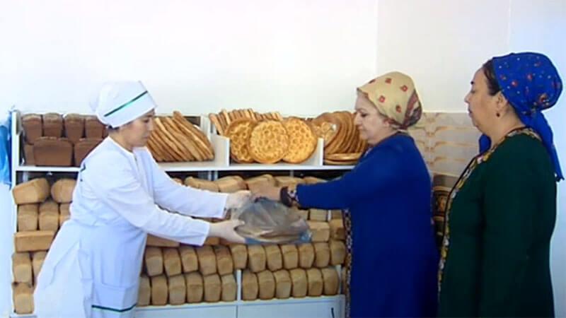 В Ашхабаде наблюдается дефицит хлеба