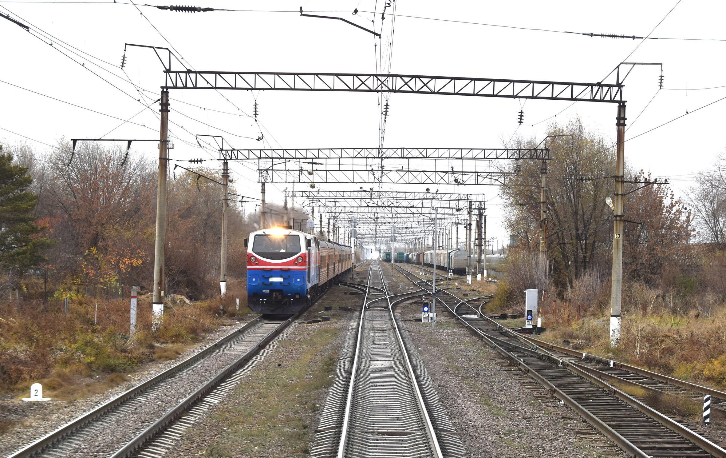 """""""КТЖ"""" планирует отремонтировать порядка 870 км магистральных железных дорог в 2018 году"""