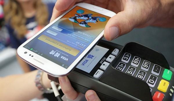 Сбербанк запускает бесконтактную оплату с помощью смартфона