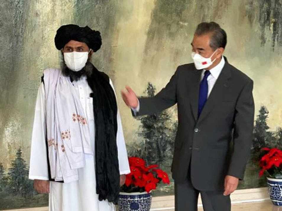 АҚШ Ауғанстаннан кетіп жатқанда, Қытайдың «Талибанмен» қатынастары жақсарып келеді