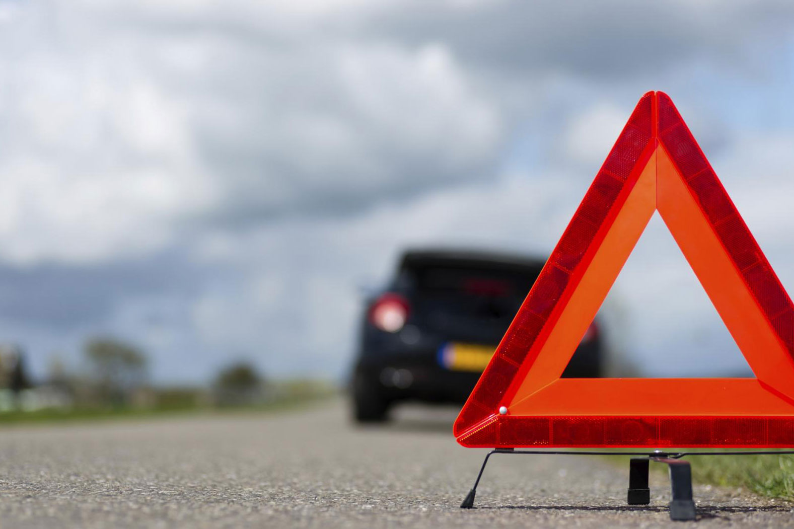 Пенсионерка пострадала при опрокидывании пассажирского автобуса в кювет в Карагандинской области