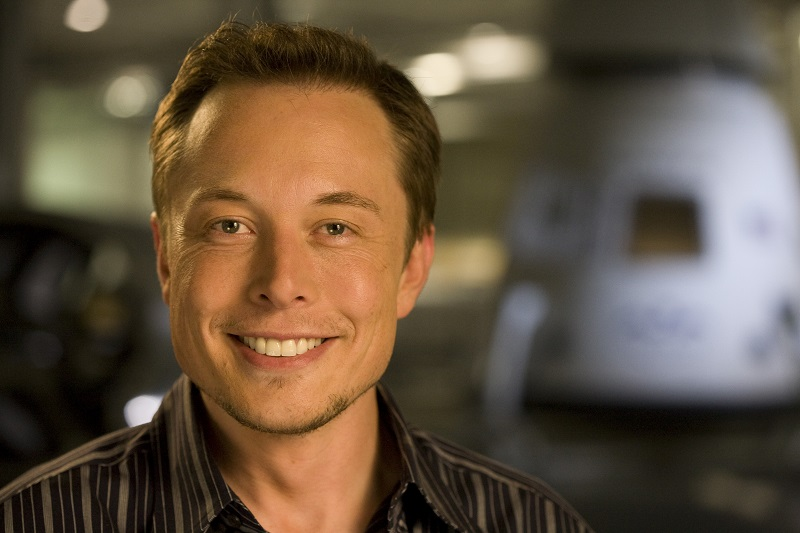 Маск несколько лет назад предлагал главе Apple обсудить покупку Tesla
