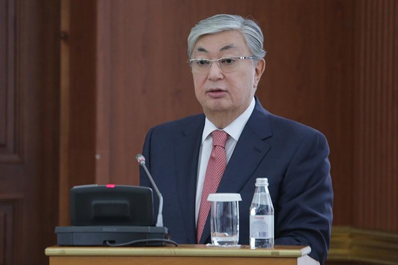 Президент Казахстана проводит совещание с акимами областей